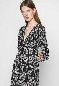 Alexa Chung - LONG SLEEVE DRESS - Freizeitkleid - black/off white - 3