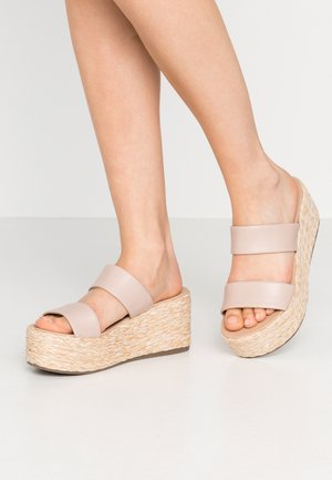 JOLTED - Heeled mules - taupe