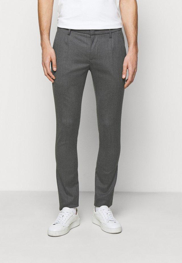 PANTALONE GAUBERT PINCES - Pantalones - grey