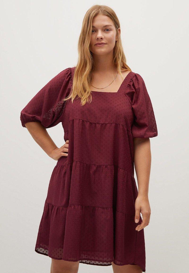 Violeta by Mango - NIEVE - Day dress - granátová