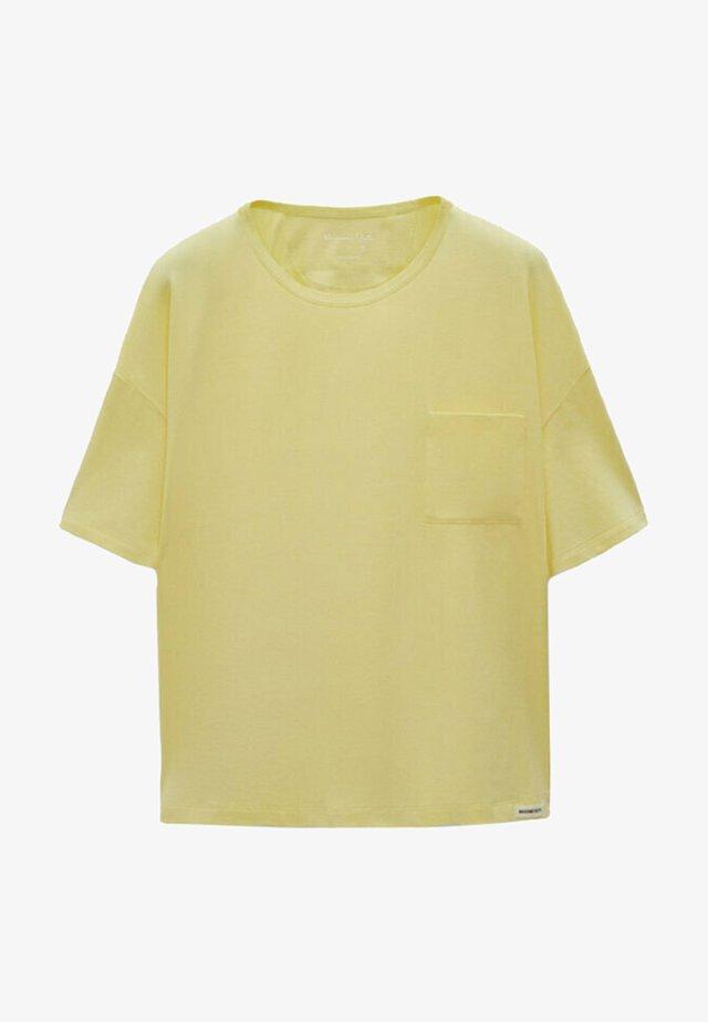 MIT TASCHE  - T-shirt basic - yellow