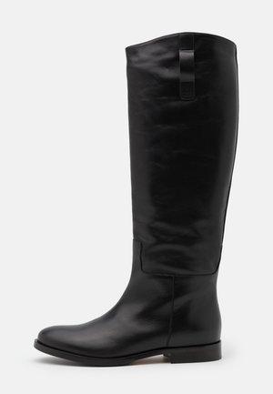 AGIATE - Boots - schwarz