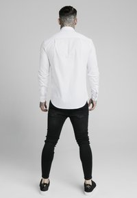 SIKSILK - STANDARD COLLAR SHIRT - Formal shirt - white - 2