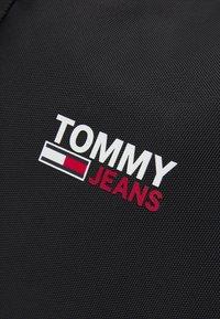 Tommy Jeans - CAMPUS DUFFLE UNISEX - Sac week-end - black - 4