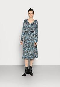Vero Moda Tall - VMLULU CALF DRESS - Day dress - black/lulu - 0