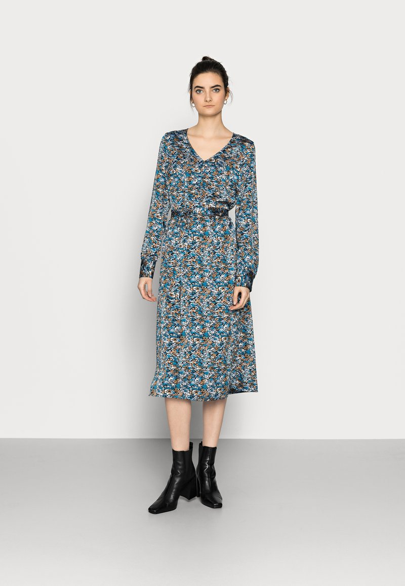 Vero Moda Tall - VMLULU CALF DRESS - Day dress - black/lulu