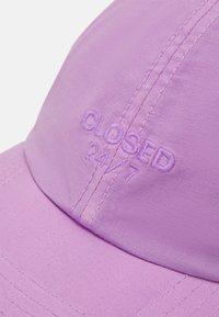 CLOSED - UNISEX - Kšiltovka - purple - 3