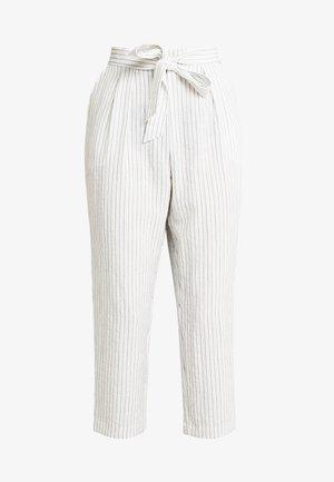 MAGGIS TROUSERS - Kalhoty - white/black