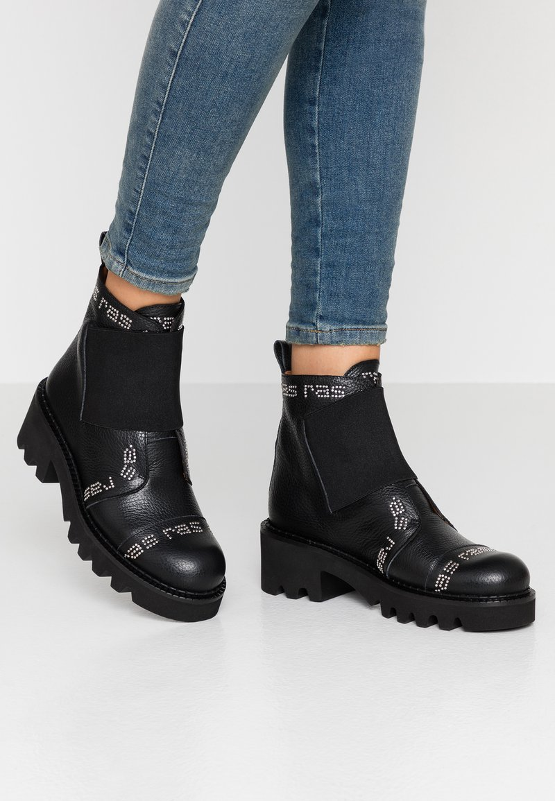 RAS - HIPER - Cowboy/biker ankle boot - tolled black