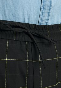 Only & Sons - ONSLINUS LONG CHECK - Pantalones - black - 4