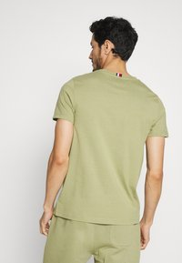 Tommy Hilfiger - ARCH TEE - Print T-shirt - green - 2