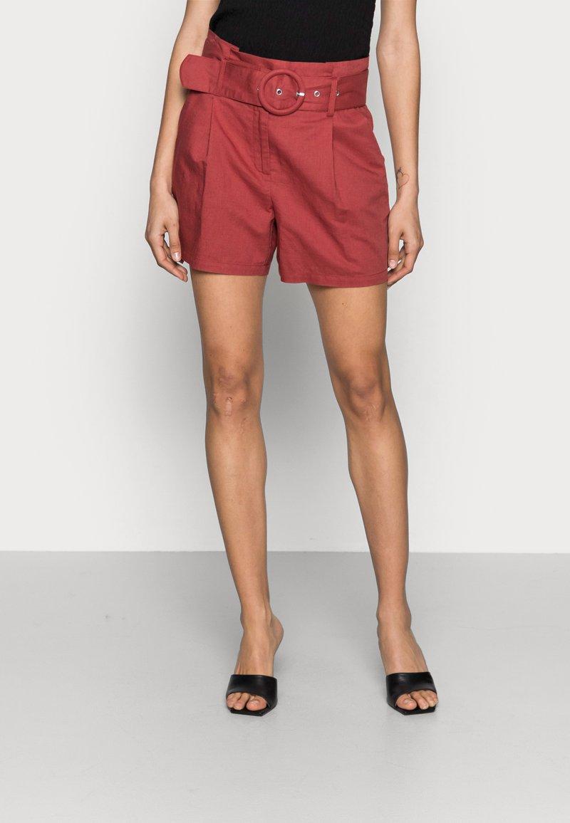 NAF NAF - EFALLIN  - Shorts - terre cuite