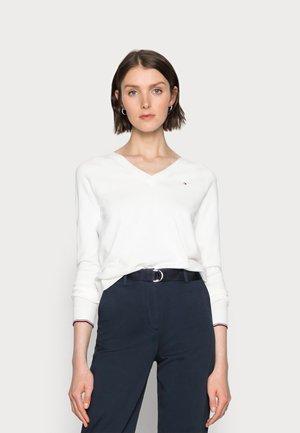 V-NECK SWEATER - Pullover - white