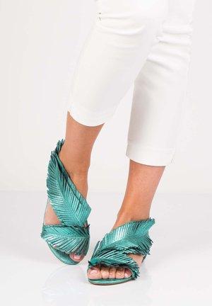 POLY - Sandals - zielony