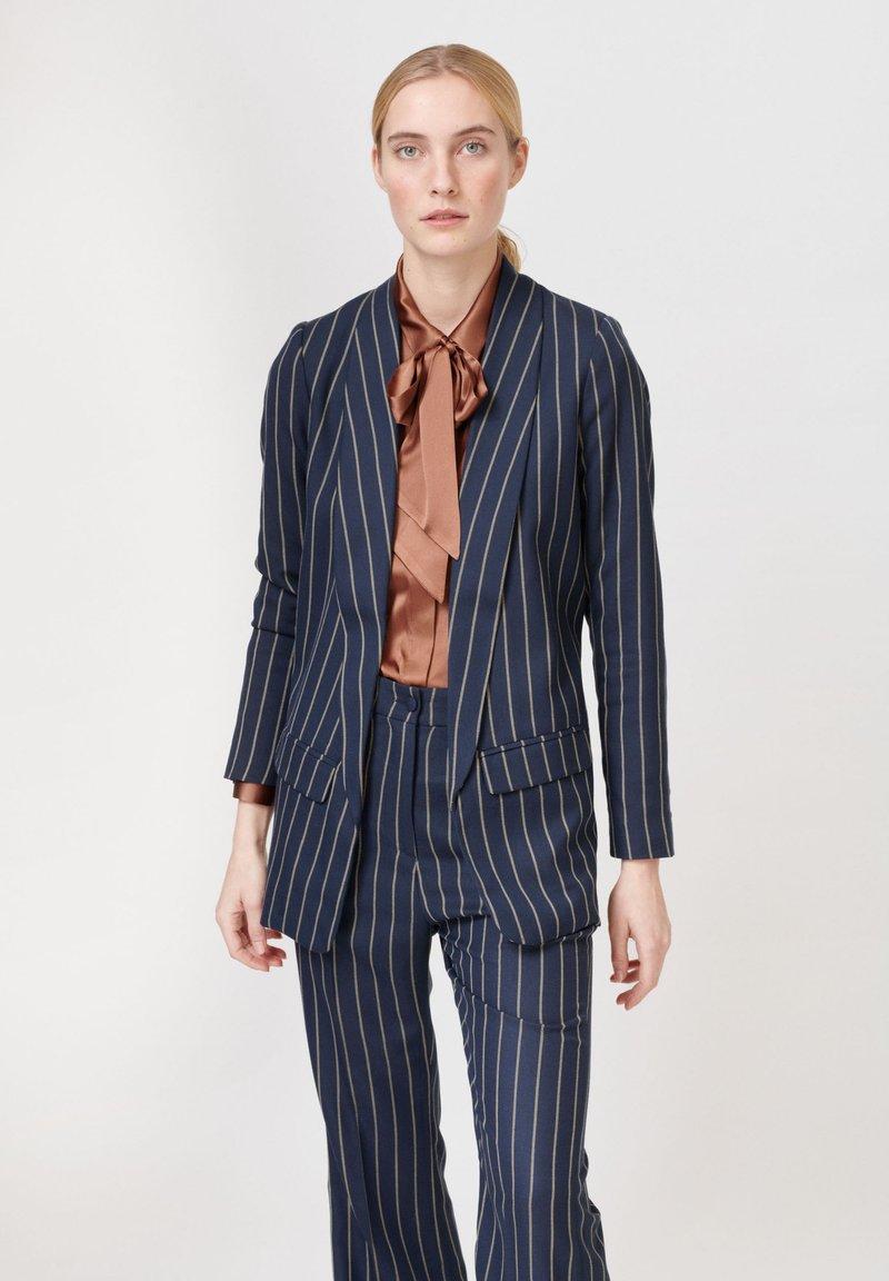 Dea Kudibal - Short coat - stripe