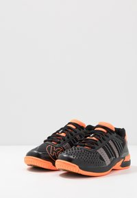 Kempa - ATTACK CONTENDER JUNIOR CAUTION - Handball shoes - black/fluo orange - 3