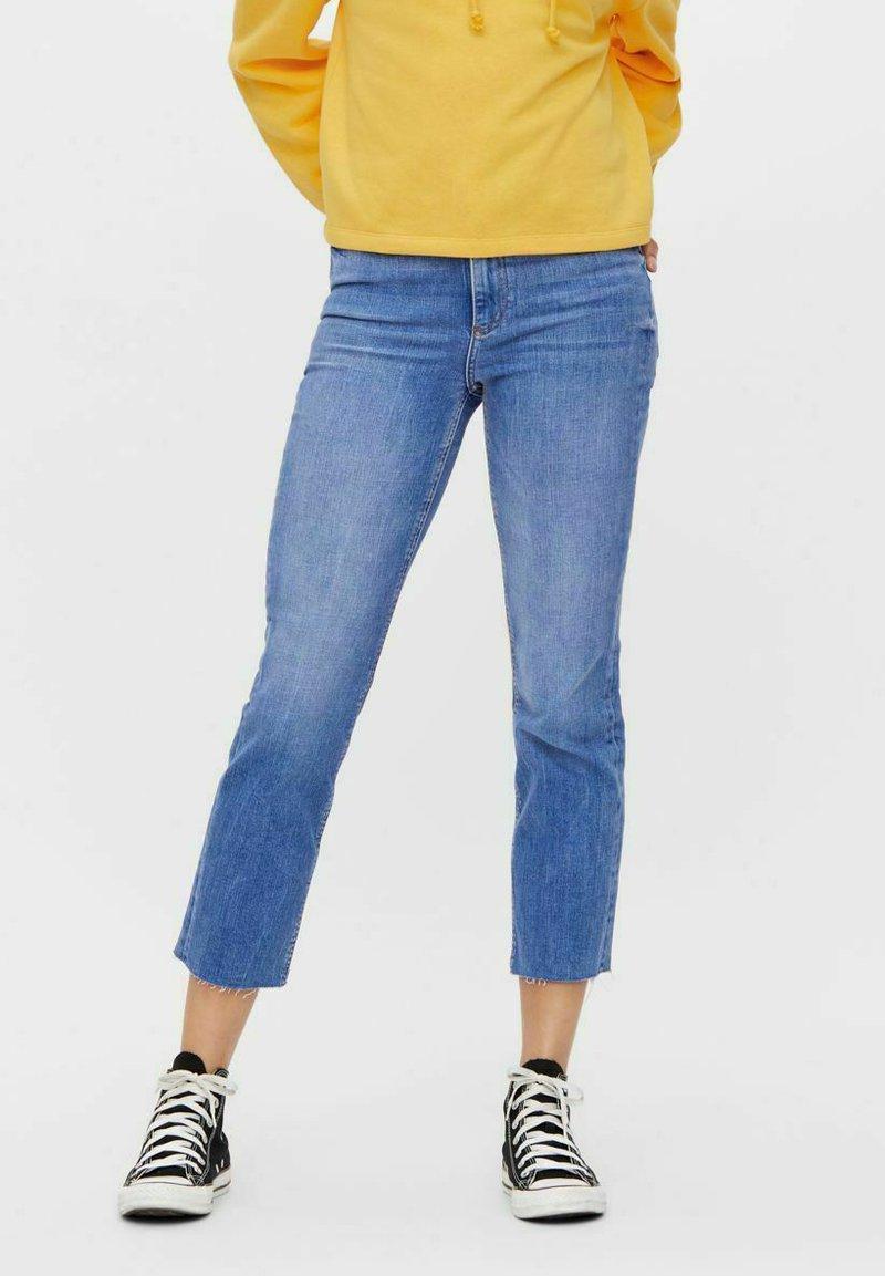 Pieces - Straight leg jeans - medium blue denim
