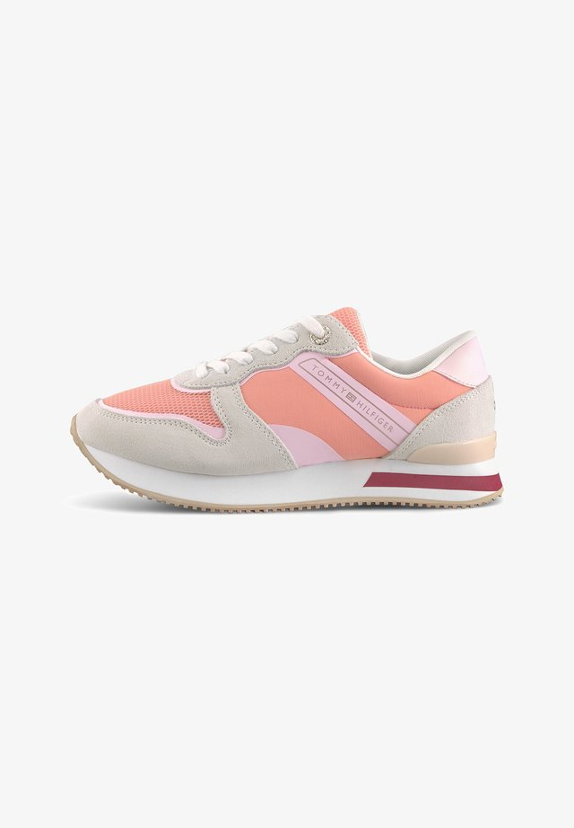 FEMININE ACTIVE CITY - Sneakersy niskie - apricot