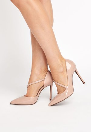 BLACK TWO PART POINT COURT SHOES - Szpilki - beige