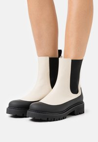 By Malene Birger - ANNA - Classic ankle boots - cream - 0
