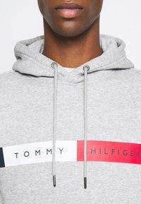 Tommy Hilfiger - LOGO HOODY - Sweat à capuche - grey - 5