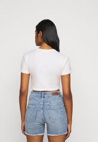 Missguided Petite - AMOUR GRAPHIC FITTED CROP  - Triko spotiskem - pink - 2