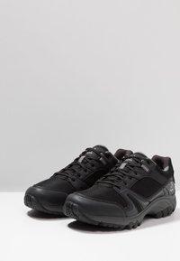 Haglöfs - OBSERVE EXTENDED GT MEN - Hiking shoes - true black - 2