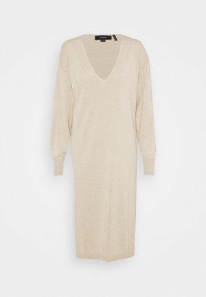 NU-IN X JANA´S DIARY V-NECK MIDI DRESS - Jumper dress - beige