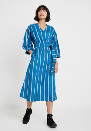 STRIPED - Sukienka letnia - art blue