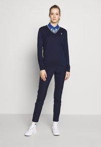 Polo Ralph Lauren Golf - V-NECK-LONG SLEEVE-SWEATER - Top s dlouhým rukávem - french navy/white - 1