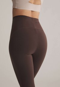 OYSHO - Leggings - brown - 3