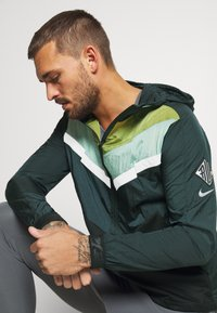 Nike Performance - Sports jacket - seaweed/asparagus/reflective silver - 5