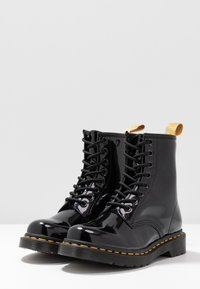 Dr. Martens - 1460 VEGAN 8 EYE BOOT - Veterboots - black/opaline - 4