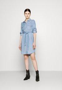 Vero Moda - VMVIVIANAMIA REGULAR DRESS - Denim dress - light blue - 1