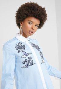 Vivetta - CAMICIA - Button-down blouse - celeste - 3