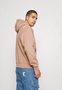Nike Sportswear - RETRO HOODIE - Sweatshirt - desert dust - 3