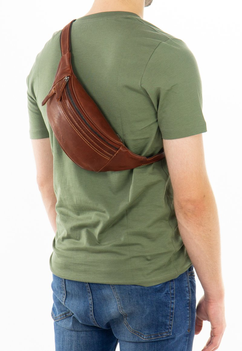 Gusti Leder - Bum bag - haselnuss