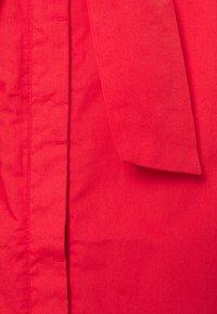 Thought - WILLA TIE WAIST DRESS - Košilové šaty - red - 2
