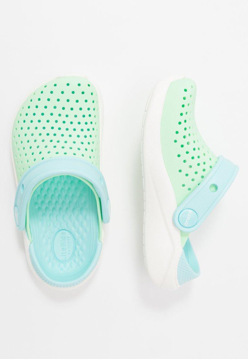 Crocs - LITERIDE UNISEX - Pool slides - neo mint/white