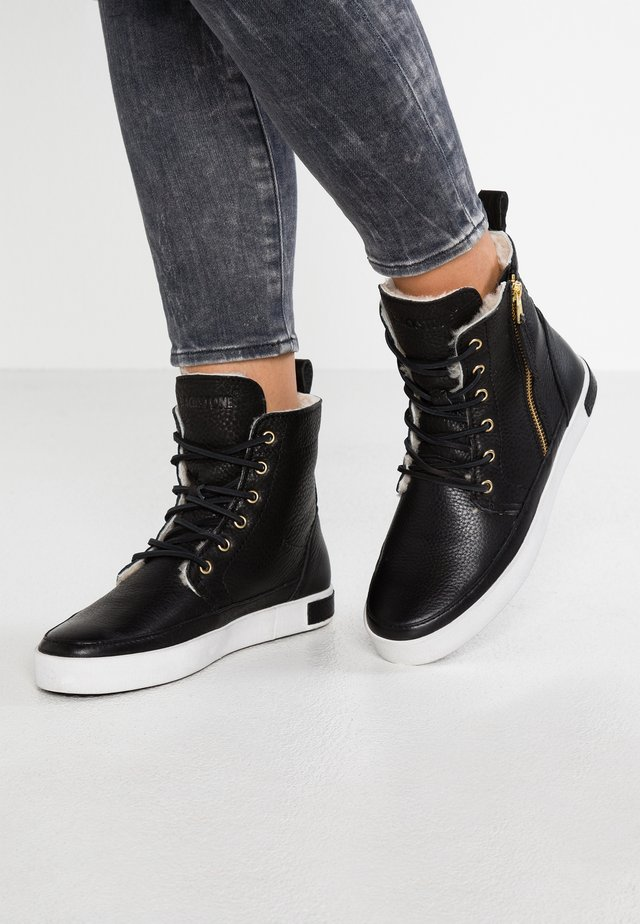 LAOS TOWN - High-top trainers - black