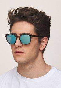 Meller - BANNA - Sunglasses - tigris sky - 1