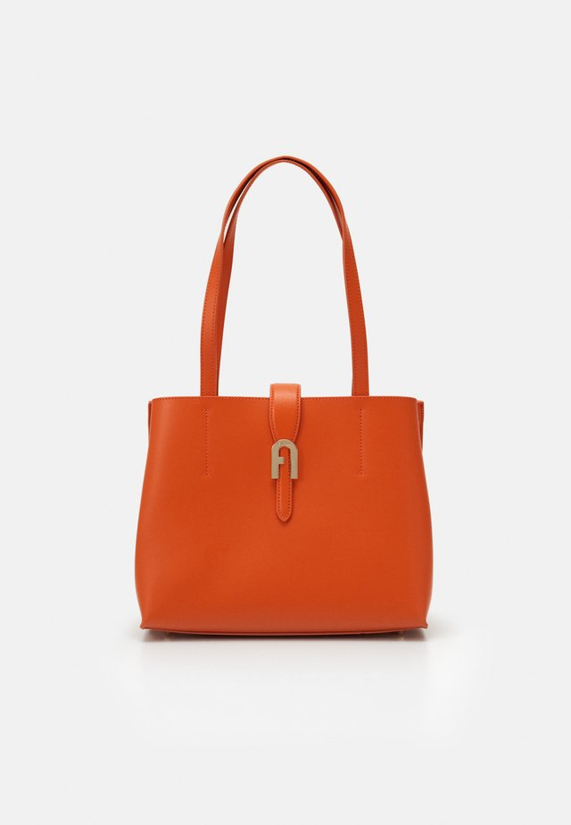 SOFIA  TOTE - Handbag - orange