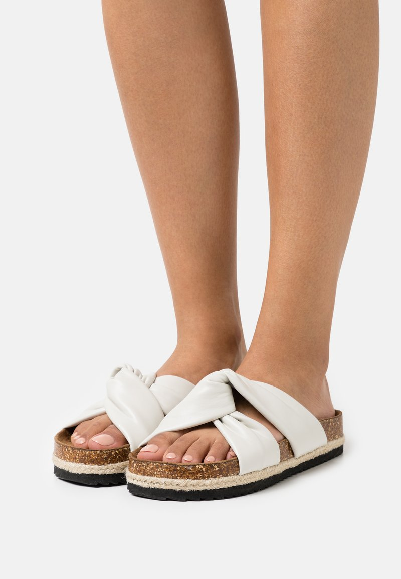 ONLY SHOES - ONLMIRA KNOTTED FLATFORM  - Mules - white