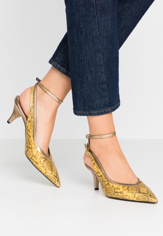 Pumps - joya/metal oro