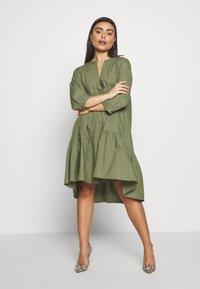 YAS Petite - YASMERIAN DRESS PETITE ICONS - Sukienka letnia - four leaf clover - 1