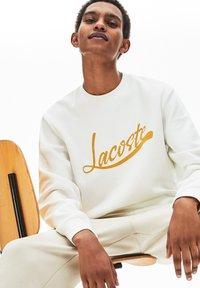 Lacoste - SH4853 - Sweatshirt - blanc - 2