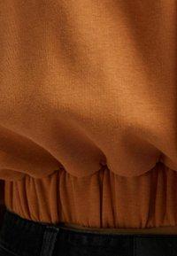 Bershka - PLÜSCH - Sweat à capuche zippé - light brown - 4