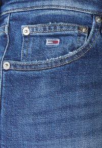 Tommy Jeans - HARPER FLARE ANKLE - Jean droit - dark-blue denim - 5