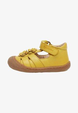 MIT APPLIZIERTEN BLÜMCHE-NAVY - Walking sandals - yellow