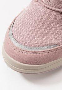 Viking - HASLUM GTX - Zimní obuv - dusty pink - 2